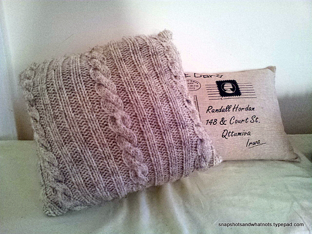 Cable knit cushion cover tutorial and pattern - snapshotsandwhatnots.typepad (3)