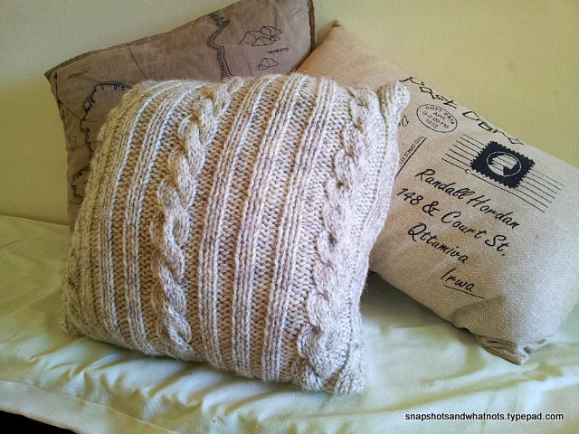 Cable knit cushion cover tutorial and pattern - snapshotsandwhatnots.typepad (5)