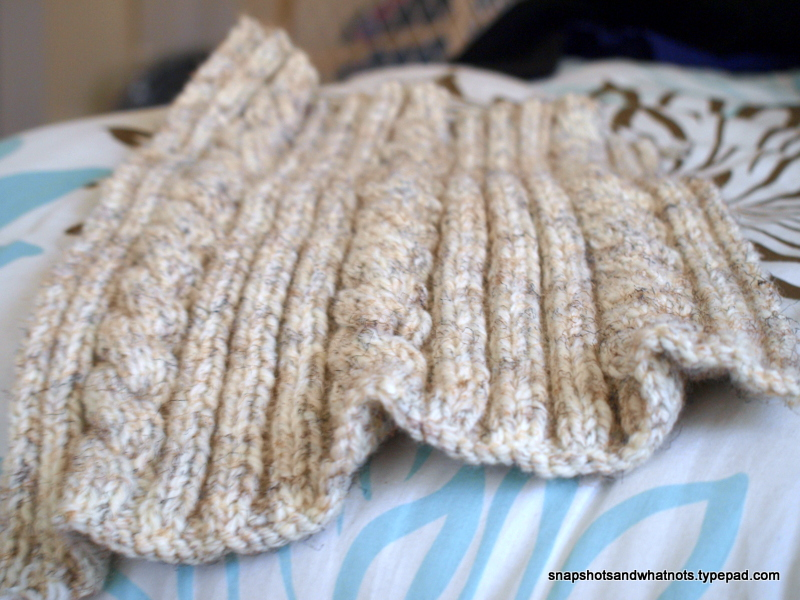 Cable knit cushion cover tutorial and pattern - snapshotsandwhatnots.typepad (6)