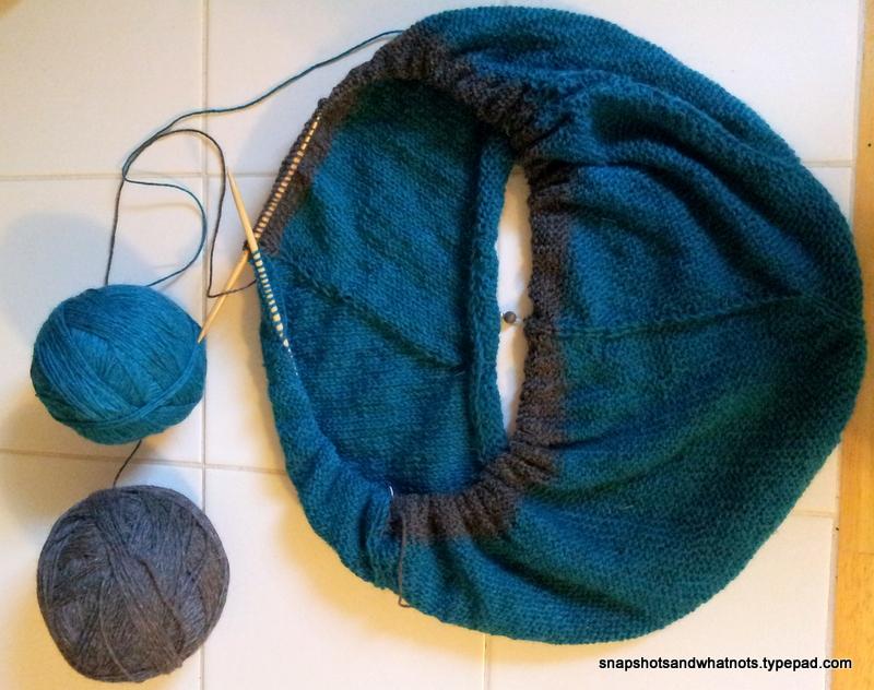 Beginner knitting project - first sweater SSKAL14 (4)