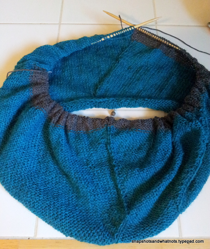 Beginner knitting project - first sweater SSKAL14 (3)