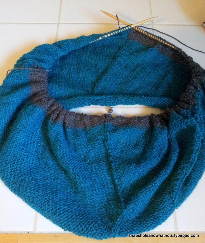 Beginner knitting project - first sweater SSKAL14 (3)