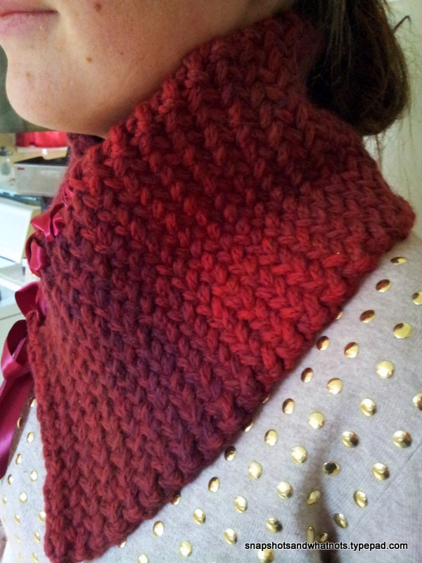 Ribbon-laced herringbone neckwarmer (3)