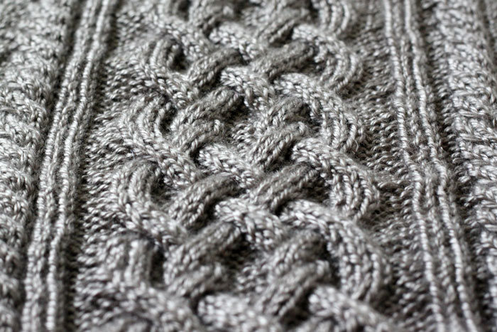 Large Grey cable knit blanket (1)