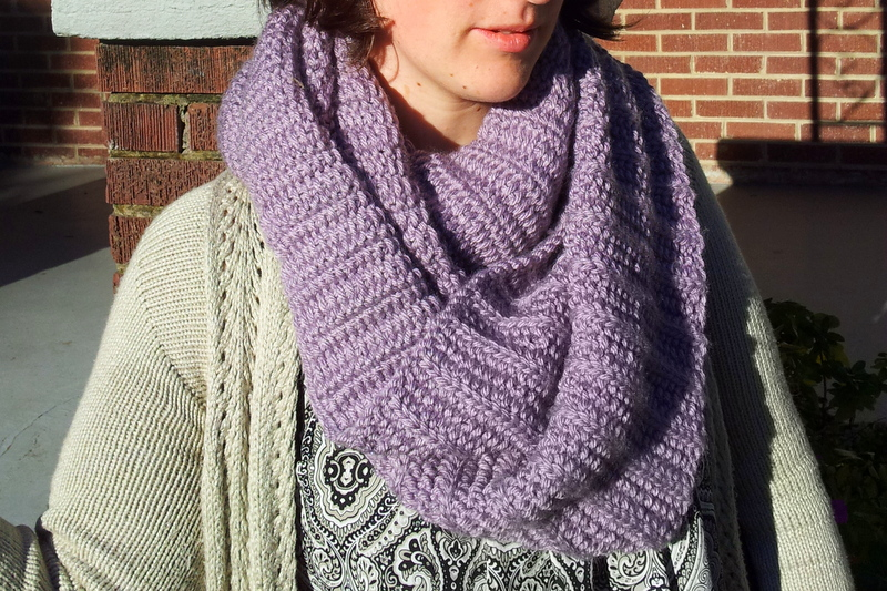 Big cozy fluted cowl (2)